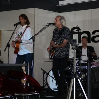 "Presentación ""It's Everything en FNAC de Murcia"